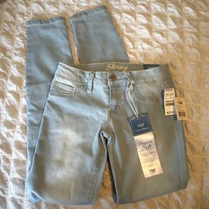 Light Wash YMI Skinny Jeans